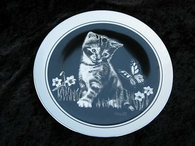 """Vintage Royal Cornwall """"Are You a Flower ?"""" Kittens World Plate Rudy Droguett LE"""