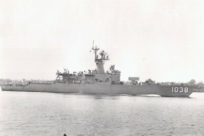 1962-1990 MR Frigate FF-1038 USS USS McCloy - 4x6 Photo