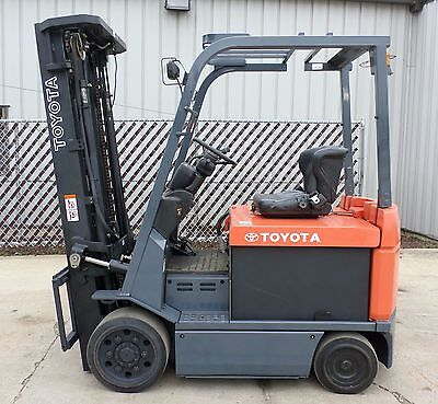 Toyota Model 7FBCU30 (2006) 6000lbs Capacity Great 4 wheel Electric Forklift!!!!