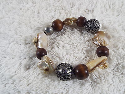 Filigree Wood Shell Bead Bracelet (B48)
