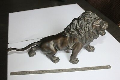 (B) Lion ancien en bronze avec cachet (Asie, Chine, Indochine ?)
