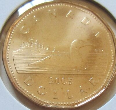2005 Canada Loonie One Dollar Coin. (UNC.)