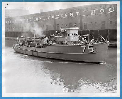 1954 Motor Minesweeper AMS-75 Italy as Gelso M-5509 Greece as Euniki M-61 Photo