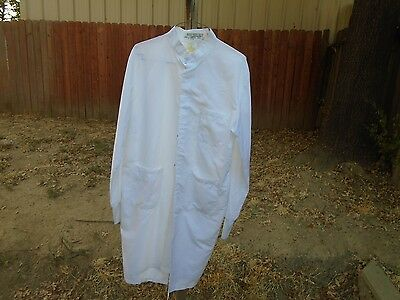 Lab Coat White Lab Coats size Small $5.00 each