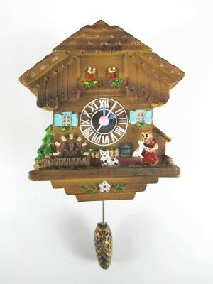 Cuckoo Clock Magnet, Poly Schwarzwald Souvenir Germany, Correct Clock, 12 cm