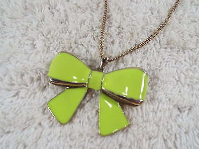 Goldtone Yellowish Green Bow Pendant Necklace (D65)