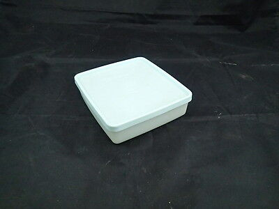 Tupperware #670 Sheer Square Away Sandwich Keeper Container With Blue Lid