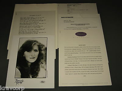 Bonnie Raitt 'Longing In Their Hearts' 1994 Press Kit—Photo
