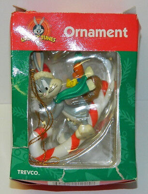 Looney Tunes Bugs Bunny Riding a Candy Cane Sleigh Holiday Ornament 1999, BOXED