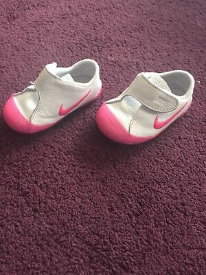 Nike white pink leather baby girl trainers shoes UK 3.5 infant in vgc