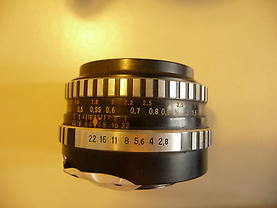 Camera lens 42mm thread CARL ZEISS  wide angle 28mm f1:2,8 No. 8825126 ..  J2