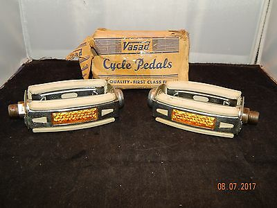 Vintage White Vasad Schwinn Bicycle Pedals - New Old Stock In Box