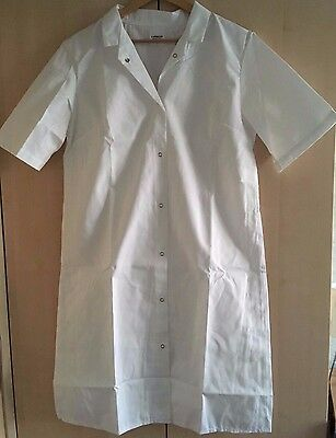 """2 x Ladies Short Sleeved White Lab Coats, Medical, Pharmacy, Catering. Size 38"""""""