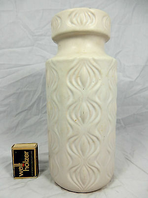 "White 70´s Scheurich "" Amsterdam / sliced onion "" design  pottery vase   285- 23"