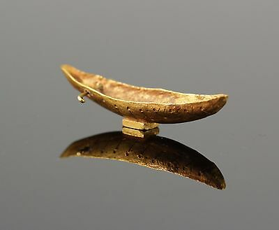 Extremely Rare Viking Gold Boat Votive Pendant - Circa 10Th Century Ad