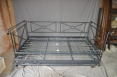 Charles Rogers Campaign Day Bed With Pop Up Trundle And 2 Twin Mattresses