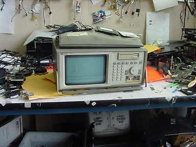HP 1652B B/W Portable  a8 Logic Analyzer / Scope With Accessories Used