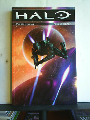 GRAPHIC NOVEL: HALO - FALL OF REACH  Paperback 2016 1st print