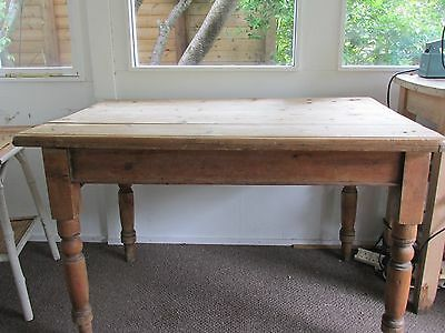 A Traditional Victorian Scrub Top Pine Kitchen Table, Pulls Apart For Easy Move.