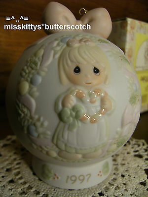 Precious Moments~ORNAMENT~272728~Ball with Stand~DATED 1997~Cane You Join Us