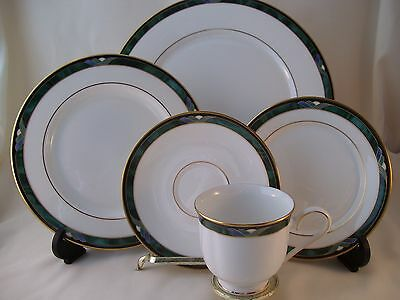 Lenox Kelly Fine Bone China Debut Collection 5pc Place Setting NWT USA New