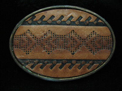 PD13118 VINTAGE 1970s **TRADITIONAL ARTWORK** SOUTHWESTERN DESIGN LEATHER BUCKLE
