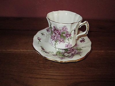 Vintage BONE CHINA HAMMERSLEY MADE IN ENGLAND CUP AND SAUCER VICTORIAN VIOLETS