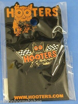 New Hooters Restaurant 2 Racing Checker Flags With Hootie Lapel Pin - Car Race