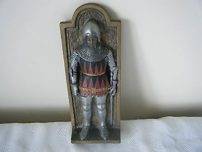 MARCUS DESIGNS PLAQUE MEDIEVAL KNIGHT 23.5cm TALL 9cm WIDE 3.7cm DEEP