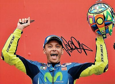 VALENTINO ROSSI Autograph 2017 SIGNED 16x12 Yamaha Photo 4 AFTAL COA The Doctor