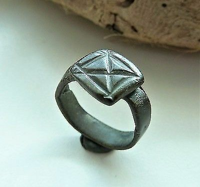 Post medieval bronze ring  (469).