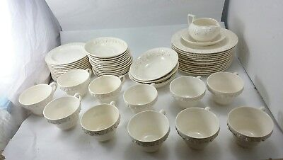 Vintage WEDGWOOD ENGLAND Fine Bone China Dinnerware Set LOT Plates Cups Saucers & VINTAGE WEDGWOOD ENGLAND Fine Bone China Dinnerware Set LOT Plates ...