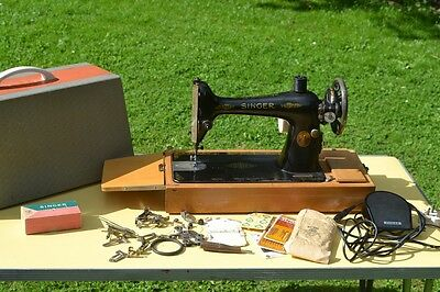 Vintage Singer Sewing Machine 66k Electric VGC + Accessories FREE DELIVERY