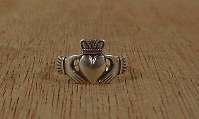 Sterling Silver Claddagh Ring Size 4 Always Moonbeam Made in Ireland 1.30 gms.