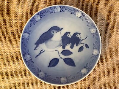 Royal Copenhagen Porcelain Plate 1982 Mother Robin With Babies Sven Vestergaard