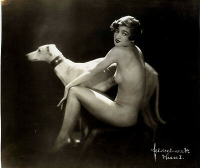 Feldscharek Pepa-Nude with dog