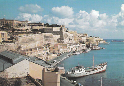 Ak Ungel. View Of Valletta Bastions And Grand Harbour  Malta  (G3111)