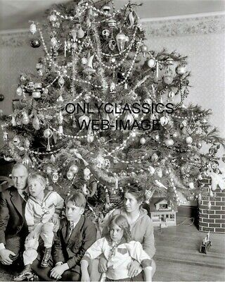 1915 Vintage Christmas Tree Family Holiday Photo Toys, Ornaments Victorian Style