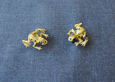 2 Vintage Enameled Golden Metal Frog Pins