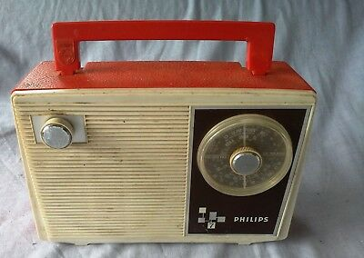Vintage Philips 7 Radio  working with cord