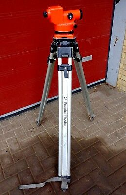 LIETZ SOKKISHA D10346 C3E Automatic Dumpy Level & SPECTRA Surveyor's Tripod