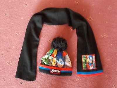 Marvel Avengers hat and scarf set 4-8 years