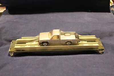 800100210 Silver Truck On Rack And Flat