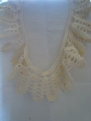 Vintage HANDMADE ECRU Cotton Hand Crochet LACE Collar