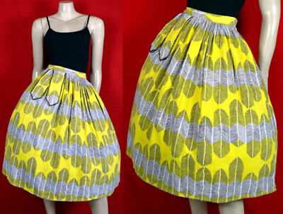 Dress in 1950's NOVELTY 50s Vintage FEATHERS Cotton PINUP Rockablly SKIRT -XS -S