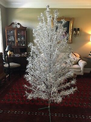 Vintage 6 1/2 ft ~96 Branches Aluminum Christmas tree in orig. box & color wheel
