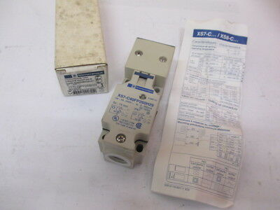 TELEMECANIQUE XS7-C40FP260H29 Inductive proximity sensor Switch 044825 - UNUSED