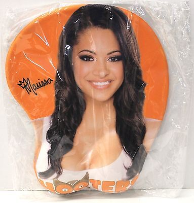 Awesome HOOTERS Girl Marissa 3D Gel Mousepad with wrist support Mouse Pad - NEW