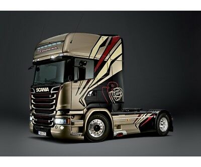 "Italeri 1:24 SCANIA R730 Streamline ""Chimera"""