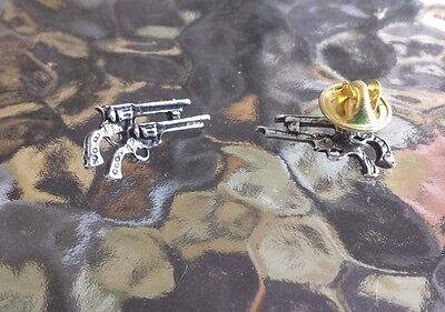 Wild Wild West WESTERN  JEWELRY 1 TWIN GUN PEWTER LAPEL PIN All New.